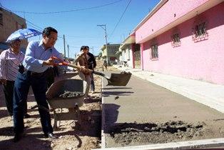 INVIERTE GOBIERNO DE FRESNILLO 14.4 MILLONES DE PESOS EN CONSRUCCION DE PAVIMENTO, GUARNICIÓN Y BANQUETAS