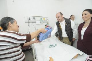ENTREGA SEDIF SILLAS DE RUEDAS, BICICLETAS Y DONATIVOS