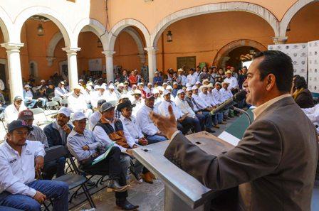 ENTREGA MEDRANO QUEZADA ESTÍMULO ECONÓMICO A 151 DELEGADOS MUNICIPALES
