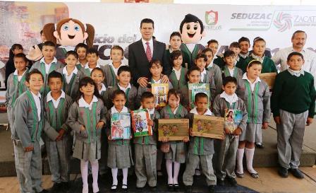 ENTREGA GOBERNADOR MÁS DE 600 MDP AL SECTOR EDUCATIVO EN INICIO DE CICLO ESCOLAR 2014-2015