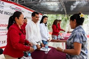ENTREGAN CERTIFICADOS DEL IZEA EN EL CDC OBRERA