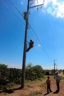 INAUGURAN AMPLIACIÓN DE RED ELÉCTRICA EN BUENAVISTA DE TRUJILLO