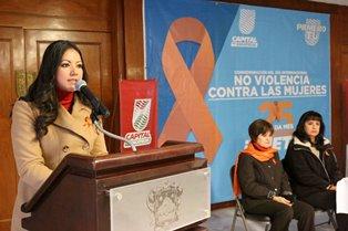 IMPARTE AYUNTAMIENTO CAPITALINO CONFERENCIA POR EL DÍA INTERNACIONAL CONTRA LA VIOLENCIA DE LA MUJER