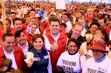 EN PINOS Y FRESNILLO, ENTREGAN MAR Y ROSARIO ROBLES MÁS DE 240 MDP EN APOYOS SOCIALES