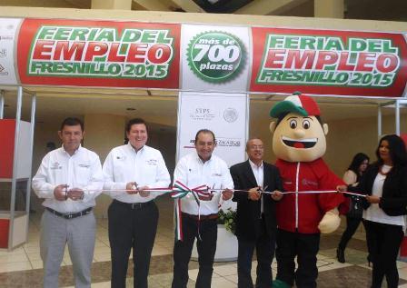 OFERTAN MÁS DE 750 VACANTES EN FERIA DEL EMPLEO FRESNILLO 2015