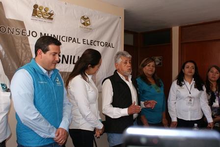 SE REGISTRA MANUEL NAVARRO A LA PRESIDENCIA POR EL PANAL
