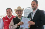 BENEFICIA GOBERNADOR TELLO A 800 CAMPESINOS CON IMPLEMENTOS AGRÍCOLAS