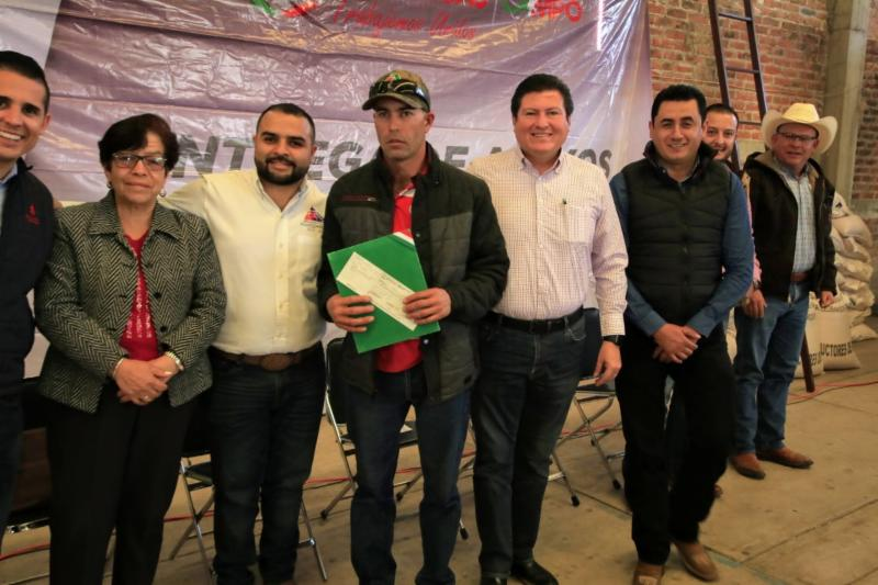 ENTREGA GOBIERNO DE ZACATECAS PAGOS DE SEGURO CATASTRÓFICO Y SEMILLAS A PRODUCTORES DE TLALTENANGO