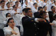 ASISTE EL ALCALDE A CEREMONIA DE IMPOSICIÓN DE COFIAS Y GAFETES A ESTUDIANTES DE ENFERMERÍA