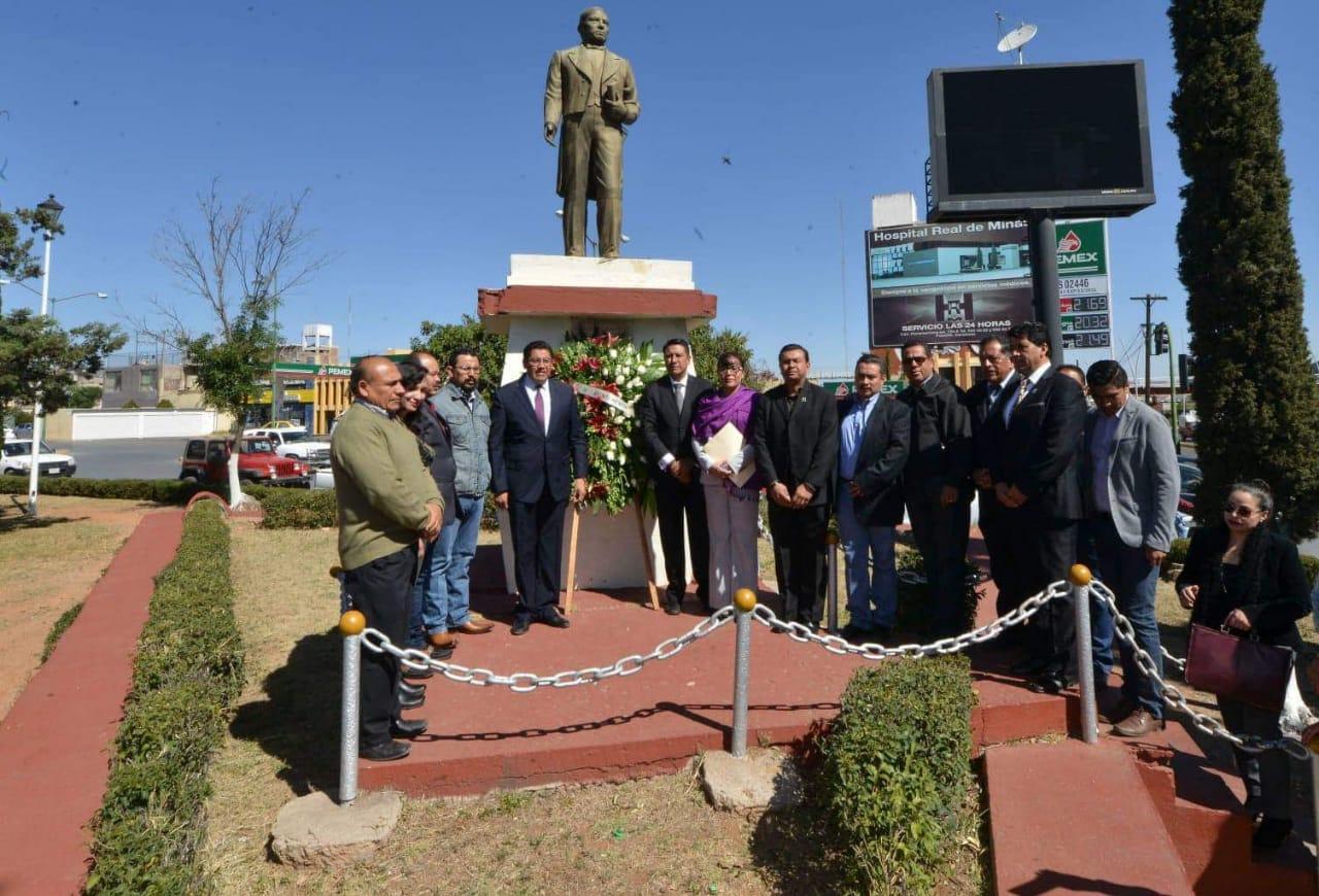 HONRAN LA MEMORIA DE BENITO JUÁREZ EN EL MINERAL, A 213 AÑOS DE SU NATALICIO