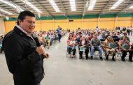 CUMPLE GOBERNADOR TELLO A PRODUCTORES DEL CAMPO DE FRESNILLO Y VALPARAÍSO