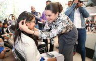ESTUDIANTES DE 35 SECUNDARIAS DE TEPETONGO Y JEREZ RECIBEN LENTES GRATUITOS