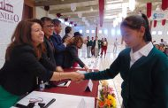Benefician con becas a 438 estudiantes en Fresnillo.