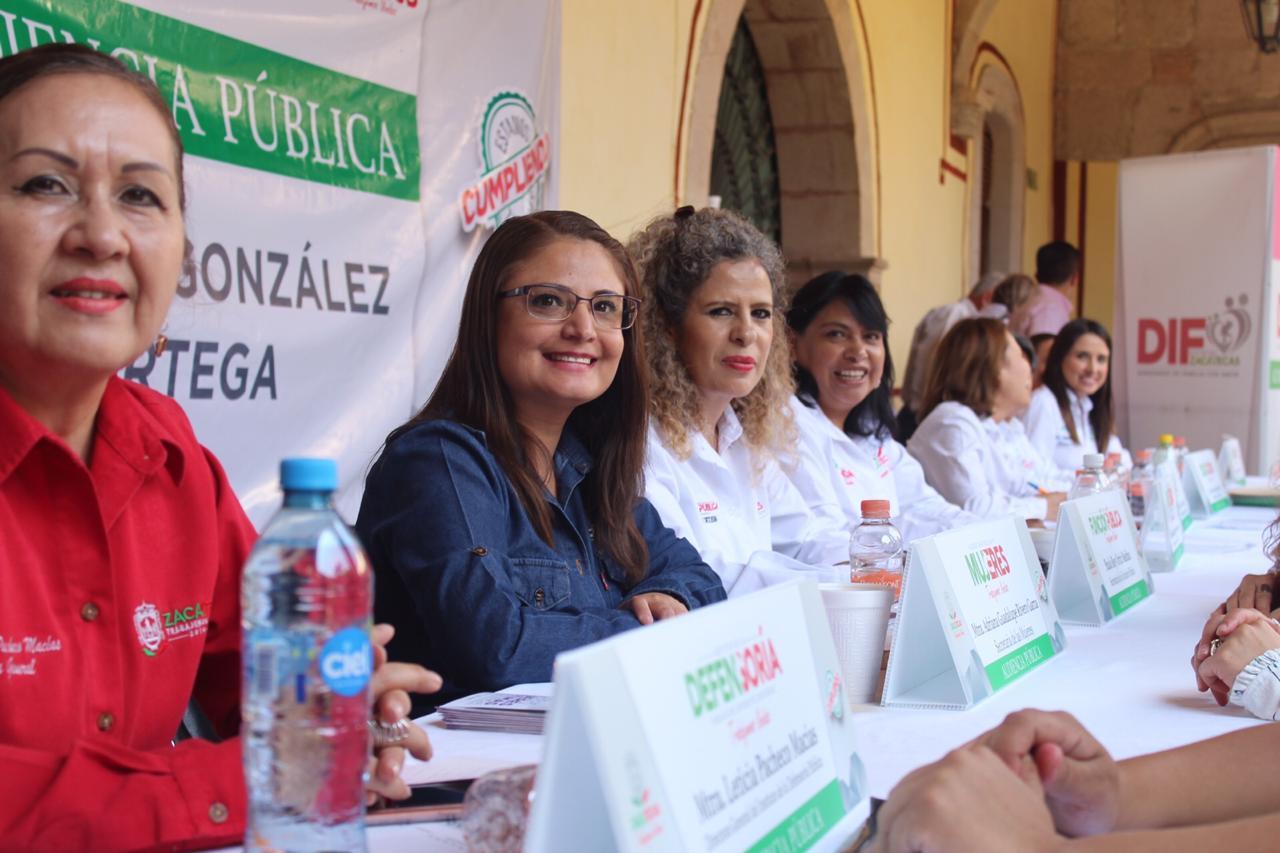 EN AUDIENCIA PÚBLICA, MUJERES DEL GABINETE ESTATAL ATIENDEN A POBLACIÓN DEL TEÚL DE GONZÁLEZ ORTEGA