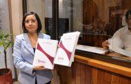 Registra Ma. de la Luz Domínguez su solicitud para un nuevo periodo frente a la CDHEZ