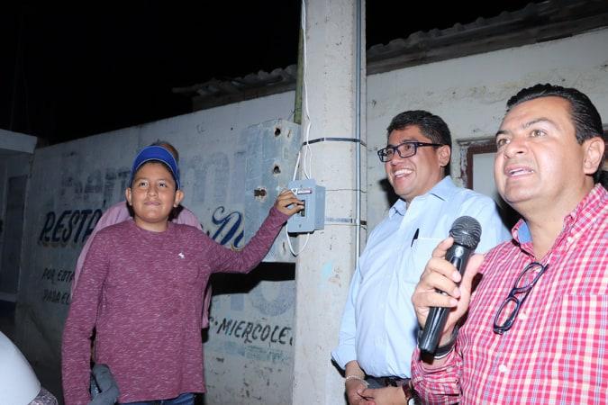 CUMPLE SAÚL MONREAL COMPROMISO CON LOS HABITANTES DE LA COLONIA FRANCISCO VILLA
