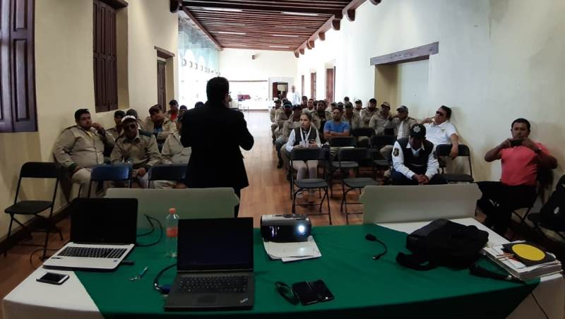OPERADORES DE RUTAS GASERAS RECIBEN CAPACITACIÓN VIAL