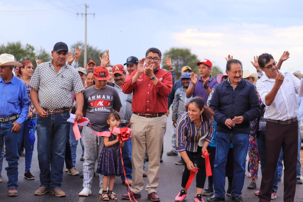 CON MÁS DE CINCO MDP SAÚL MONREAL ENTREGA E INICIA OBRAS EN COLONIAS Y COMUNIDADES DE FRESNILLO