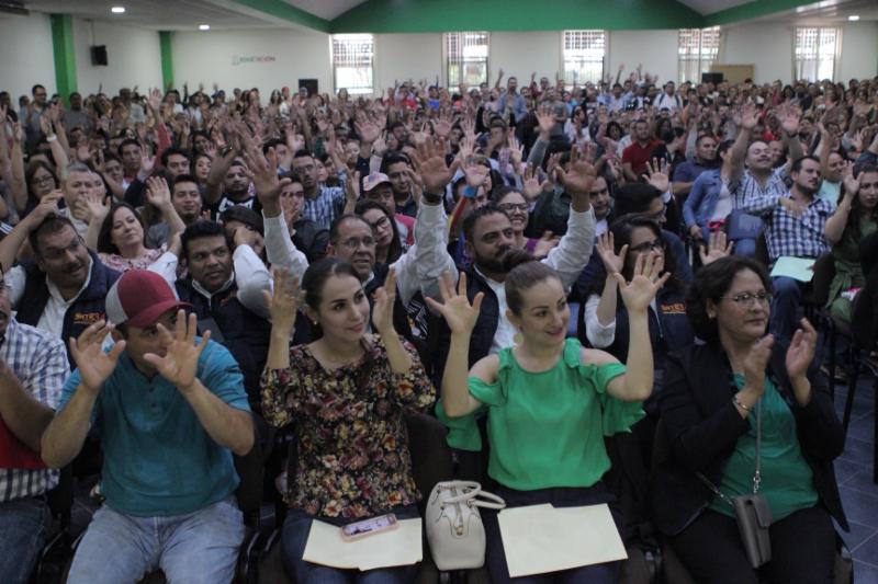 RECIBEN BASE CERCA DE 600 TRABAJADORES DE SECRETARÍA DE EDUCACIÓN