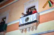 POR PRIMERA VEZ,  EL ALCALDE,  SAÚL MONREAL ÁVILA DIO EL GRITO DE INDEPENDENCIA EN EL PALACIO MUNICIPAL