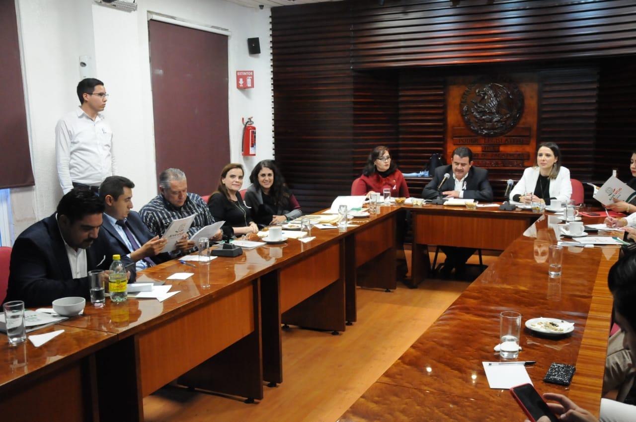 DIPUTADAS Y DIPUTADOS SOSTIENEN REUNIONES DE TRABAJO CON DIRECTOR DEL DIF ZACATECAS Y CON LA DIRECTORA DEL INSTITUTO DE LA JUVENTUD