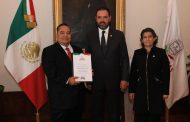 GOBERNADOR TOMA PROTESTA A FUNCIONARIOS DEL ÁMBITO EDUCATIVO Y SEDIF