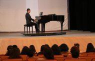OFRECE ALEJANDRO RODRÍGUEZ EL CONCIERTO DE PIANO BLANCO Y NEGRO
