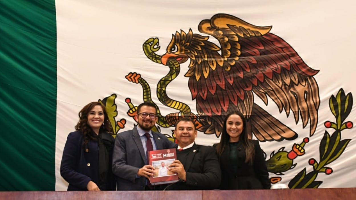Entrega Diputado Héctor Menchaca, Primero Informe de Actividades Legislativas