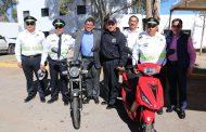 SAÚL MONREAL ÁVILA ENTREGA PREMIOS A LOS POLICÍAS VIALES DE FRESNILLO
