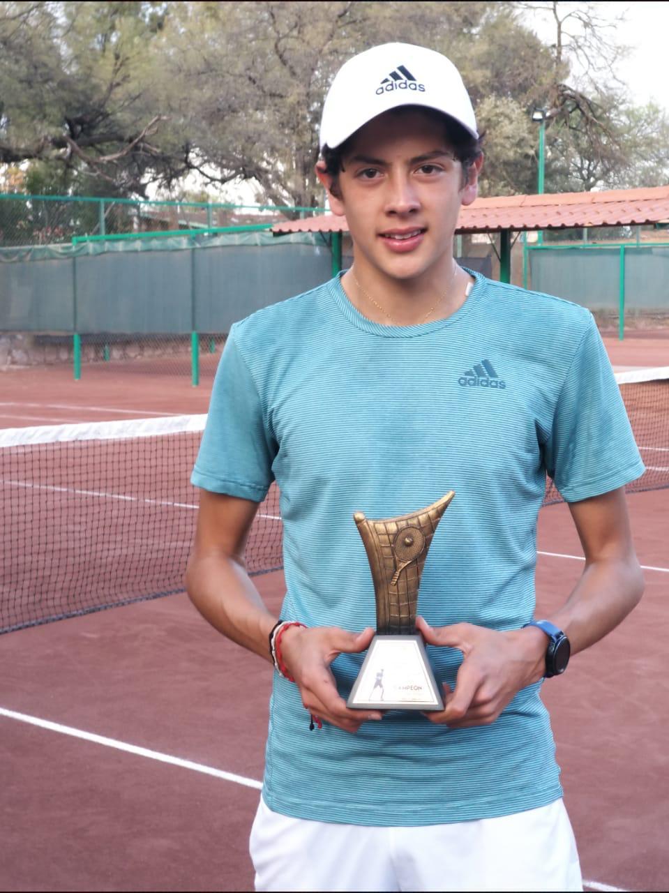 Rafa Candelas campeón del Torneo Regional de la Federación Mexicana de Tenis (FMT)
