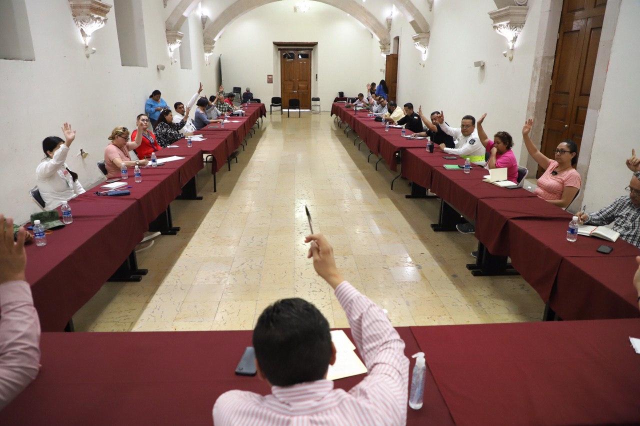 EL COMITÉ MUNICIPAL DE ATENCIÓN A LA CONTINGENCIA SANITARIA DA LA BIENVENIDA AL DIRECTOR DEL HOSPITAL COVID-19 EN FRESNILLO