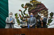 En la LXIII Legislatura se entregó este miércoles la medalla Tomás Torres Mercado al mérito jurídico