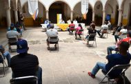 Entregan kits sanitizantes a familias Villanovenses