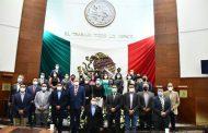 Presentan informe de actividades del Poder Legislativo, ante las y los diputados, así como los representantes de los poderes Ejecutivo y Judicial