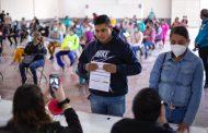 """Reciben Beca """"Benito Juárez"""" 57 mil 221 estudiantes de bachillerato en Zacatecas"""