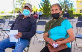 Con la vacuna contra el Covid-19 vamos a salir adelante:  confían Doña Irene y Don Faustino