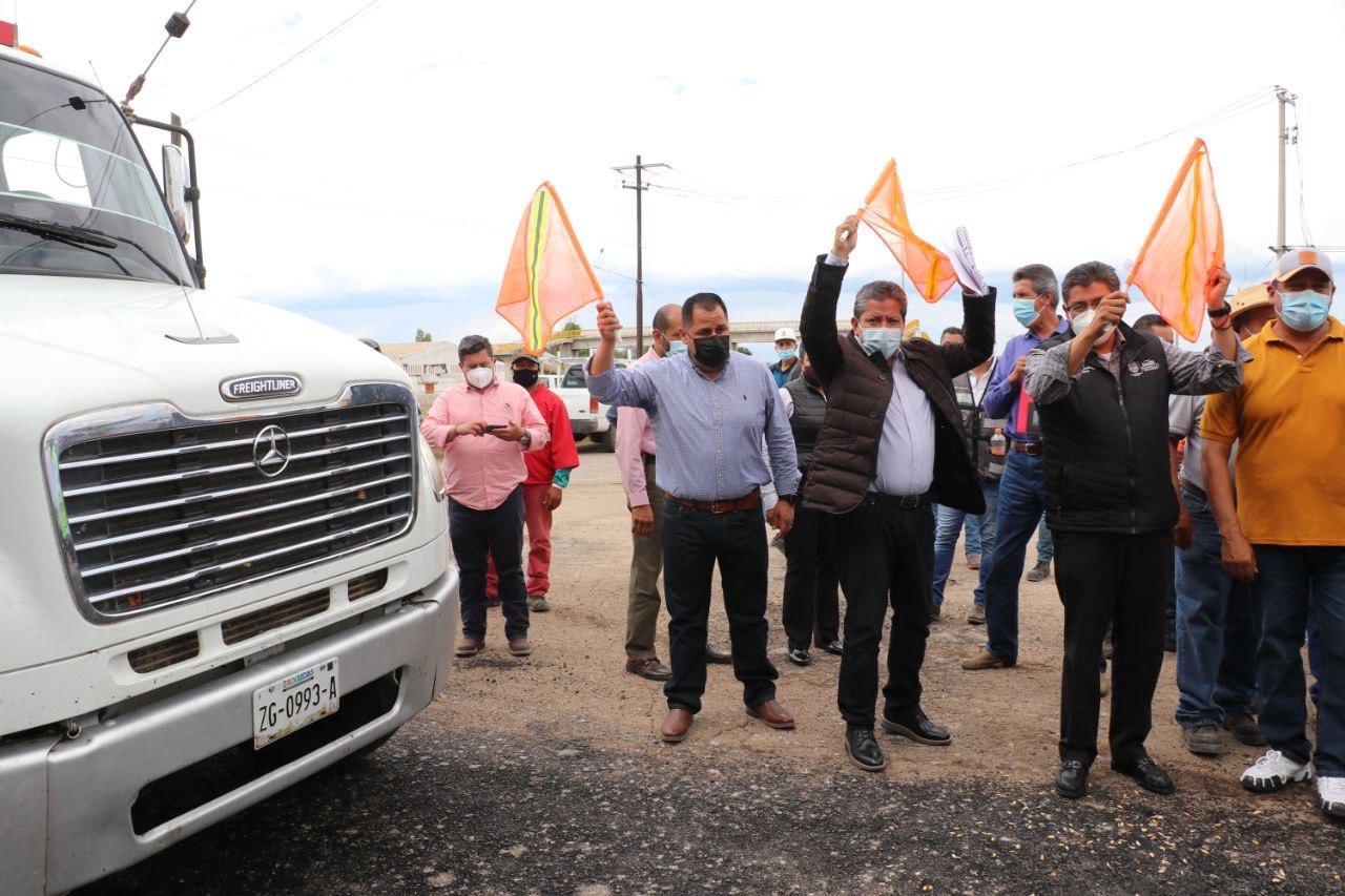 Gobernador David Monreal inicia reconstrucción de la carretera Plateros-La Salada-Rancho Grande